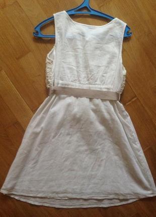 Платье с открытыми плечами летнее
