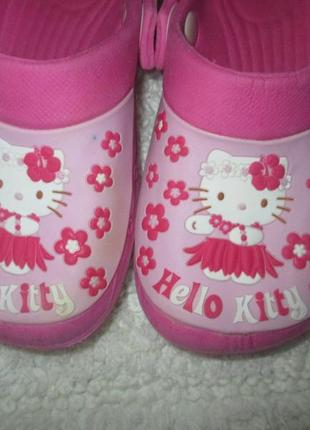 Кроксы crocs босоножки китти hello kitty , европейский 10 размер5