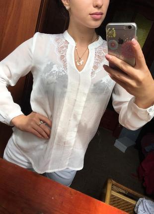 Очень красивая блузочка,размер м