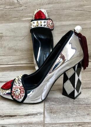 Туфли серебро красное сердце