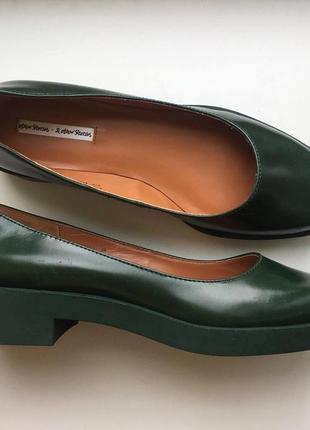Кожаные туфли широкий каблук