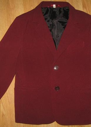 Шкільний бордовий піджачок на 6-7 рочків