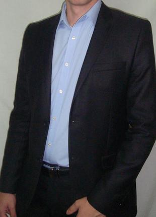 Классический костюм, приталенного силуэта patrick figaro.