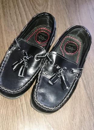 Супер стильные глянцевые туфли мокасины zara kids 26