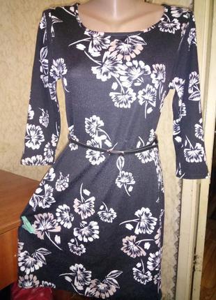 Хорошенькое демисезонное  платье 12