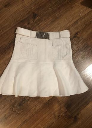 Белая комбинированная юбка годе