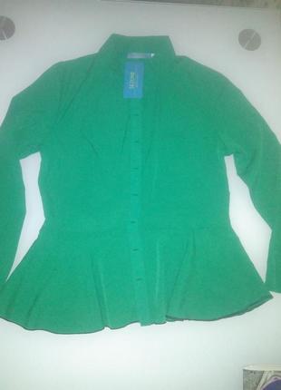 Блуза зеленая,
