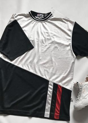 Удлинённая футболка популярного бренда fila
