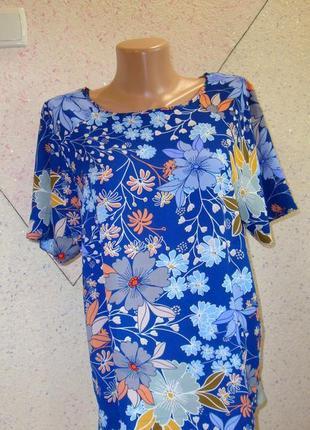 Шикарная футболка блуза в цветочную поляну. размер 10-18
