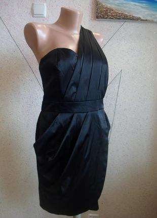 Платье футляр на запах на одно плече с драпировкой. размер 10-12