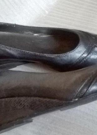 Туфли berkertex черные на танкет