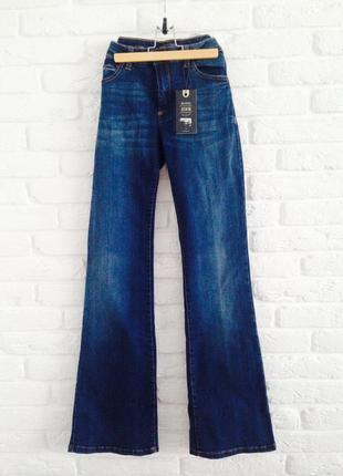 Новые качественные синие джинсы клеш bershka