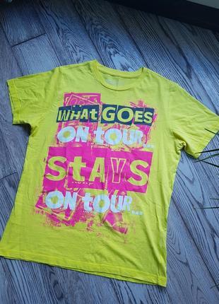 Яркая футболка от new look