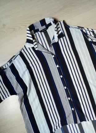 Стильная рубашка oversize с открытыми плечами