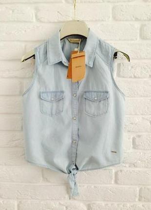 Новая джинсовая голубая жилетка рубашка без рукавов с завязкой спереди bershka