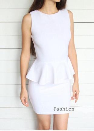 Біле сіре плаття з баскою міні сукня трикотаж ribbon