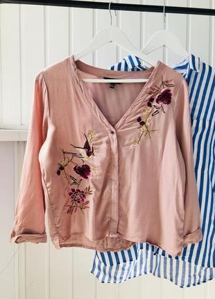 Блузка с вышивкой new look