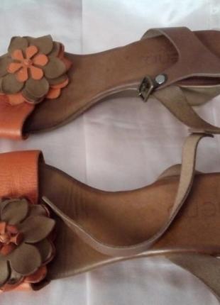 Удобные босоножки сандалии на танкетке, кожа
