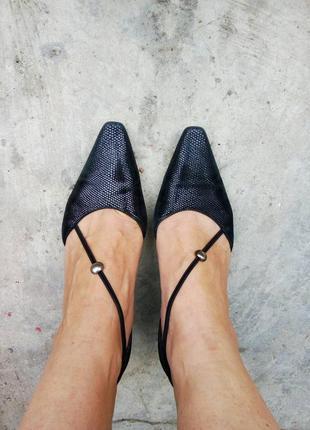 37.5р/24.5 красивые замшевые туфли половинки с переплетом,бренд,оригинал,вечерние.