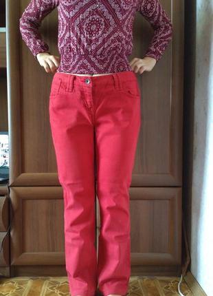 Красные джинсы fat face