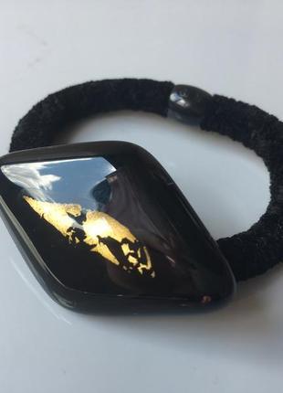 Необычная стеклянная резинка для волос с сусальным золотом