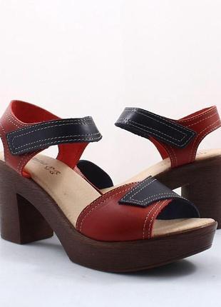 Натуральные кожаные босоножки inblu кожа на каблуке