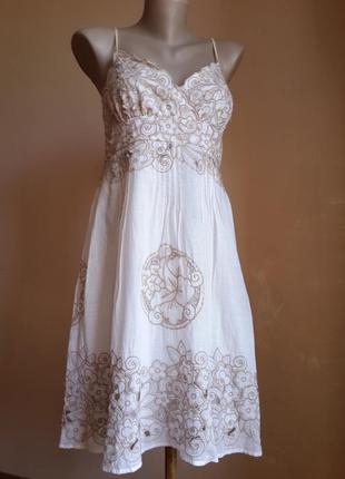 Потрясающее платье хлопок перфорация new look британия