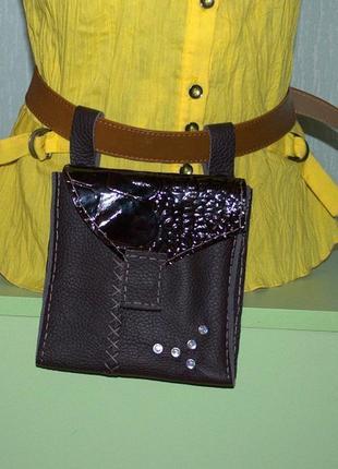 """Кожаная сумочка на пояс """"свободные руки"""",ручная работа."""