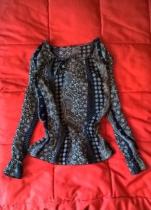 Красивая оверсайз блуза в стиле бохо