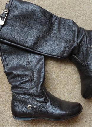 Кожаные осенние сапоги темно-шоколадного цвета