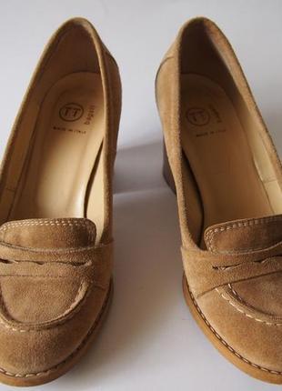 Замшевые туфли на устойчивом каблуке bagatt (италия)