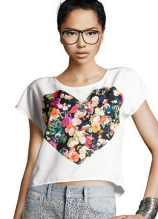 Топ, футболка с сердцем с пуговицами