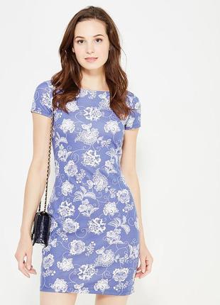 Красивенное платье в цветочный принт