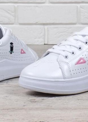 e7136c3c6eaf ... Слипоны на девочку кроссовки на платформе белые женские с патчами  нашивками на шнуровке3 ...