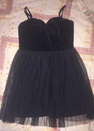 Милое чёрное короткое платье гофре бархат