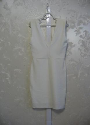Шикарное белое платье с открытой спинкой missguided