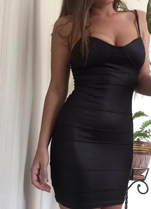 Очень сексуальное короткое платье от new look