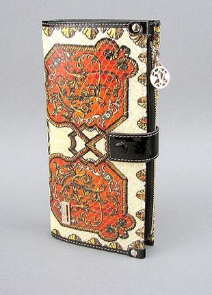 Кожаный женский кошелек на кнопке