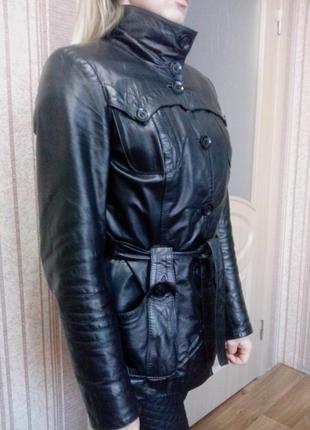 Кожанная куртка с натуральным мехом 48 размера