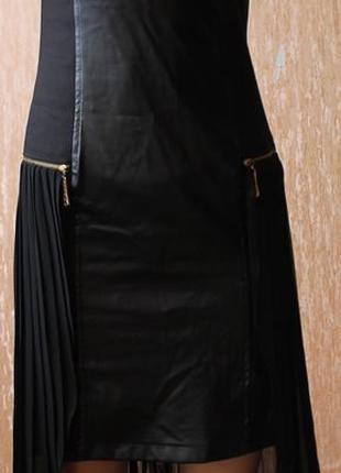 Супер платье с кожаными вставками и шифоновым хвостом