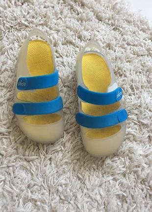 Кроксы, аква обувь chicco