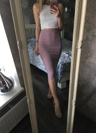 Узкая юбка миди