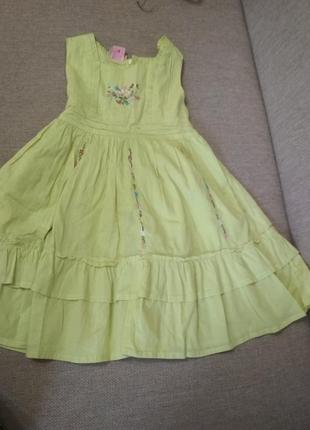 Нарядное батистовое платье на 4-6 лет израиль