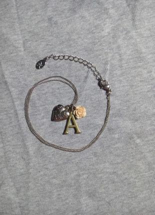 """Кулон буква """"а"""" с медальоном на цепочке (accessorize)"""