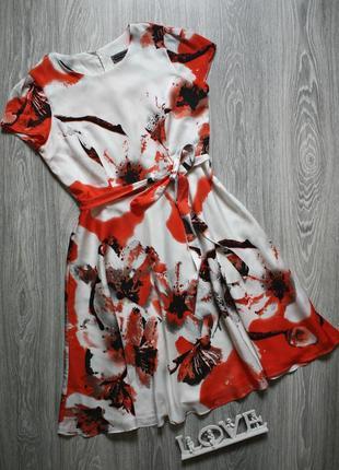 Красивое платье р. 46