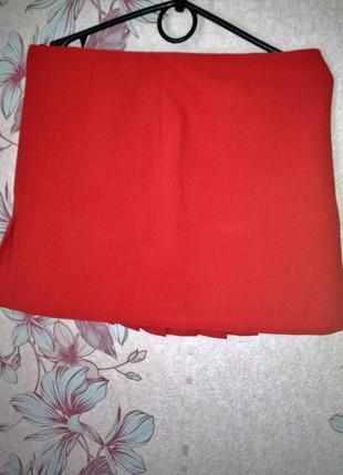 Оригинальная красная юбка