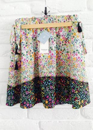 Качественная очень легкая вискозная цветочная юбка на высокой посадке stradivarius
