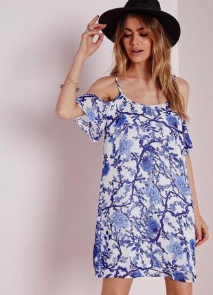Свободное платье с открытыми плечами missguided