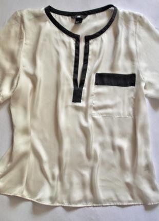 Молочно-белая блуза