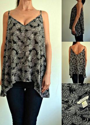 Базовая блуза на тонких бретелях в ананасах